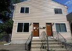 Foreclosed Home en SURF AVE, Stratford, CT - 06615