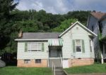 Foreclosed Home en S MAIN AVE, Weston, WV - 26452