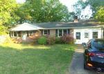Foreclosed Home en MOUNTAIN RD, South Boston, VA - 24592