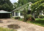 Foreclosed Home en WIPPRECHT ST, Houston, TX - 77026