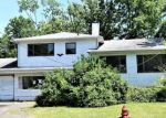 Foreclosed Home en CANDLEWOOD CT, Colonia, NJ - 07067