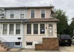 Foreclosed Home en NEW CEDAR LN, Trenton, NJ - 08610