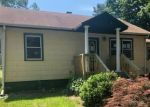 Foreclosed Home en PEARL DR, Howell, NJ - 07731
