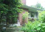 Foreclosed Home en TARIFFVILLE RD, Tariffville, CT - 06081