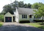 Foreclosed Home en FERNCREST DR, East Hartford, CT - 06118