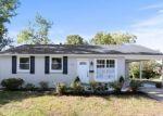Foreclosed Home en GLENARDEN PKWY, Lanham, MD - 20706