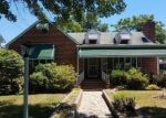 Foreclosed Home en ELLAMONT RD, Baltimore, MD - 21215