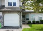 Foreclosed Home en PEPPERBUSH CT, Toms River, NJ - 08755