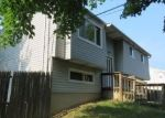 Foreclosed Home en MASSACHUSETTS AVE, Bay Shore, NY - 11706