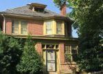 Foreclosed Home en W WOOD ST, Norristown, PA - 19401