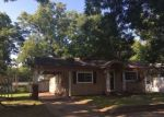 Foreclosed Home en W 6TH ST, Okmulgee, OK - 74447