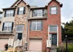 Foreclosed Home en WANDA DR, Hanover, PA - 17331
