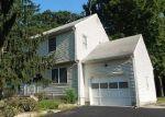 Foreclosed Home en ELDRIDGE AVE, Trenton, NJ - 08648