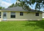 Foreclosed Home in MAGNOLIA HEIGHTS ST, Vacherie, LA - 70090