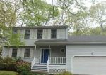 Foreclosed Home en CREST ST, Waterbury, CT - 06708