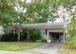 Foreclosed Home en CRESCENT DR, Brick, NJ - 08724