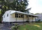 Foreclosed Home en RIVIERA RD, Marcus Hook, PA - 19061