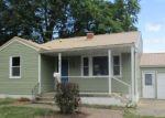 Foreclosed Home en W RANDLE ST, Lebanon, IL - 62254