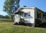 Foreclosed Home in PEACH ORCHARD RD, Clinton, TN - 37716