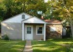 Foreclosed Home en LINDENWOOD PL, Saint Louis, MO - 63109