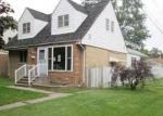 Foreclosed Home en GREENBAY AVE, Lansing, IL - 60438