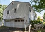 Foreclosed Home en TILDEN RD, Danbury, CT - 06810