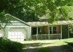 Foreclosed Home en POWDER HORN HL, Weston, CT - 06883