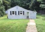 Foreclosed Home en HALL DR, Cheshire, CT - 06410