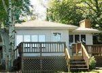 Foreclosed Home en ELLEN RD, Onekama, MI - 49675