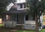 Foreclosed Home in SAUNDERS ST, Saint Albans, WV - 25177