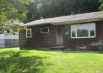 Foreclosed Home en DIAMOND AVE, Bethel, CT - 06801
