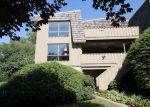 Foreclosed Home en LEDGEBROOK DR, Norwalk, CT - 06854