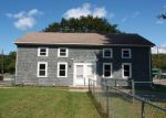 Foreclosed Home en RIVER ST, Baltic, CT - 06330