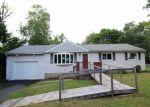 Foreclosed Home en RIDGELAND CIR, Wallingford, CT - 06492