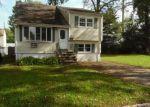 Foreclosed Home en HURON AVE, Lake Hiawatha, NJ - 07034