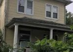 Foreclosed Home en 215TH ST, Queens Village, NY - 11429