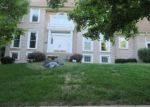Foreclosed Home en N HULL DR, Kansas City, MO - 64151