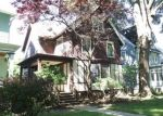 Foreclosed Home en N PROSPECT AVE, Milwaukee, WI - 53211