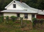 Foreclosed Home en LLOYD TOLLEY RD, Natural Bridge Station, VA - 24579