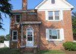 Foreclosed Home en PEAR AVE, Hampton, VA - 23661