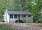 Foreclosed Home en VILLAGE RD, Shipman, VA - 22971