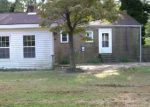 Foreclosed Home en ELMWOOD DR, Colonial Heights, VA - 23834