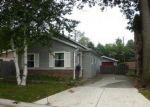Foreclosed Home en ELMWOOD DR, Fort Gratiot, MI - 48059