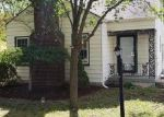 Foreclosed Home en EDGEFIELD DR, Waterford, MI - 48328