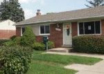 Foreclosed Home en PICKETT RIDGE RD, Sterling Heights, MI - 48313