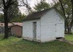 Foreclosed Home en S BROWN ST, Benton, IL - 62812