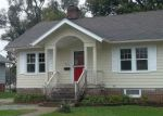 Foreclosed Home in W 7TH ST S, Newton, IA - 50208