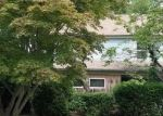Foreclosed Home en OLD CHURCH HILL RD, Trumbull, CT - 06611