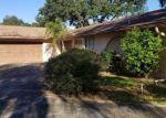 Foreclosed Home en ROLLINGVIEW DR, Tampa, FL - 33617