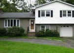 Foreclosed Home en SPRING RD, North Haven, CT - 06473